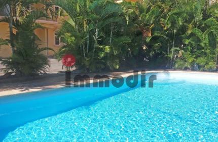 Appartement de 65m2 à louer à Péreybère, au 1er étage d'une résidence, avec piscine commune