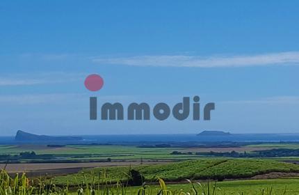 Exceptionnelle vue panoramique offrant sur les trois iles du nord: Coin de mire, Île Ronde, Îlot plat