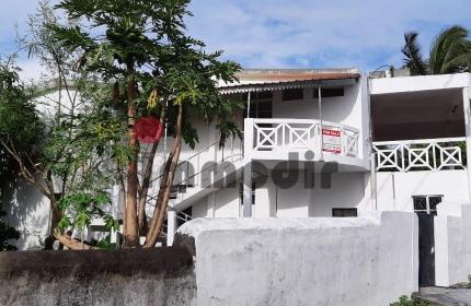 Maison de 270m² avec 6 chambres en vente à Beau Vallon, à 10 minutes de la plage de Blue Bay