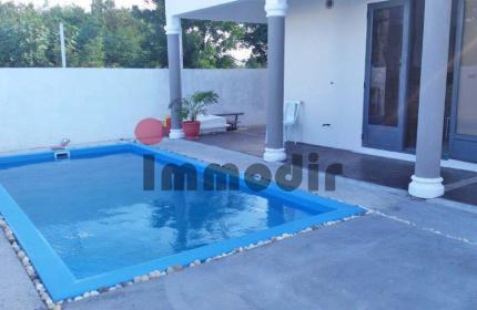 A Calodyne, A louer, Maison neuve semi meublée d'une superficie de 278m2 avec piscine sur un terrain de 337m2