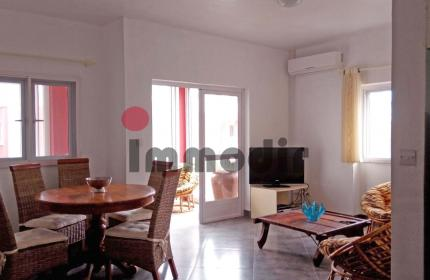 À vendre à Pereybere, appartement meublé de 2 chambres dans une résidence sécurisée à 100m de la plage