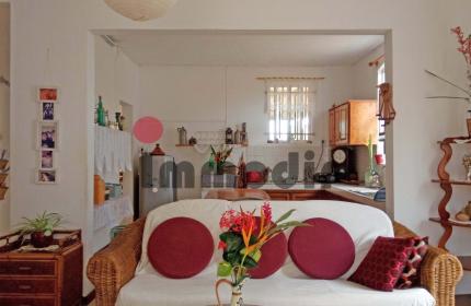 À Vendre maison a rénover avec 2 appartements de 2 chambres terrasses et jardinet