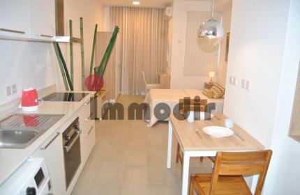 Studio meublé avec une salle de bain situé à Ebène dans une résidence sécurisée