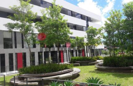 Espace commercial de 200m2 aménagé avec 12 mois de contrat de location ferme