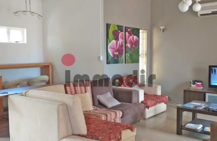 Idéalement situé dans une résidence sécurisée, bungalow de 148m2 avec 3 chambres