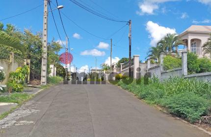 Terrain de 104 toises / 396 m2 / 9 perches à vendre à Roches Brunes