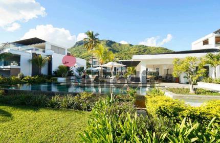 Villa pieds dans l'eau en résidence sécurisée, avec 3 chambres en suite