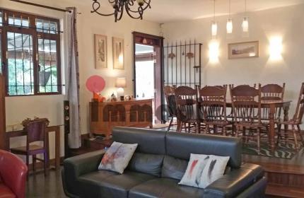Charmante maison familiale de 240m² avec 4 chambres à vendre à Floreal